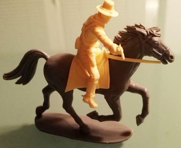 West figurica USA vojnika (puca pištoljem) na konju